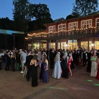 Upperclassmen gathered at Ivy Hall under the stars.