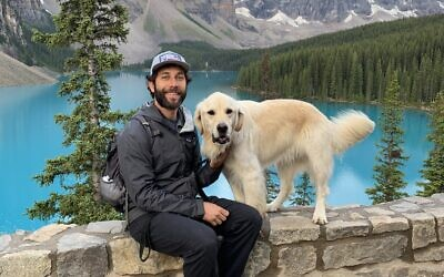 Jeff Fink and golden retriever Earl traveled the country on hiking adventures and speaking engagements.