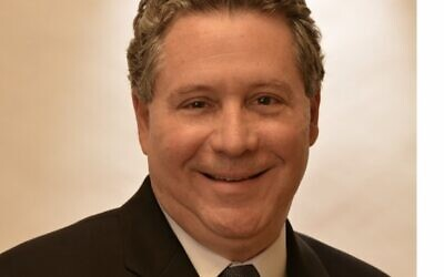 Dr. Ken Goldstein says that modern tools, procedures, and communication with the dentist can help alleviate fear and anxiety.