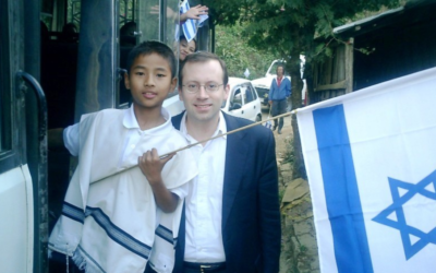 Michael Freund, who founded Shavei Israel, has traveled to India to prepare the Bnei Menashe for aliyah.