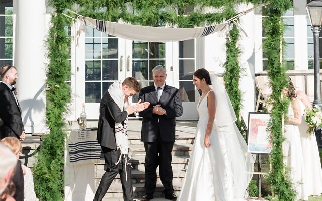Photos by Mary Beth Marlow Photography //  Craig breaks the traditional glass to much applause.