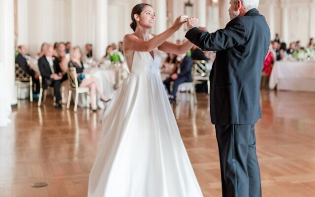Photos by Mary Beth Marlow Photography //  A perfect father-daughter dance.
