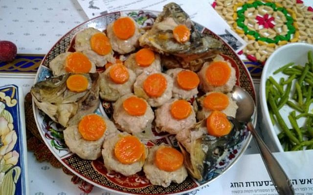 A plate of gefilte fish (CC-BY-SA Ovedc/Wikimedia Commons)