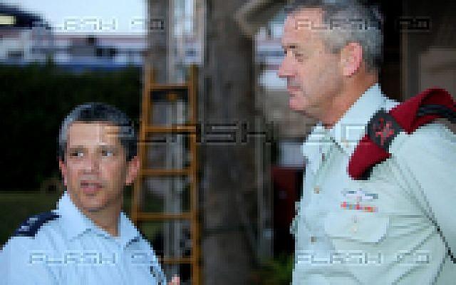Amir Eshel, incoming air force chief (left), and Benny Gantz, chief of the General Staff (photo credit: Moshe Shai/Flash90)
