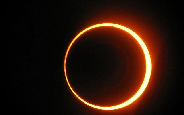 illustrative photo of a solar eclipse (CC-BY-sancho_panza, Wikimedia Commons)