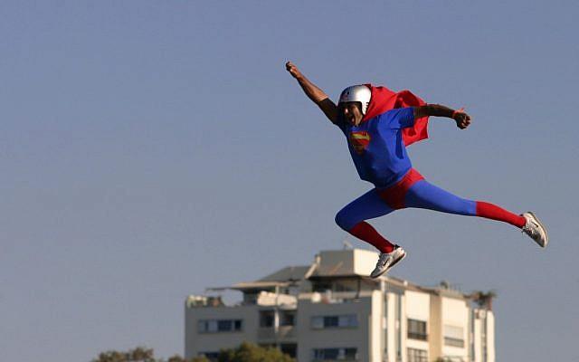 A 'Superman' takes flight in Tel Aviv. (photo credit: Boaz Oppenheim/File/Flash90)