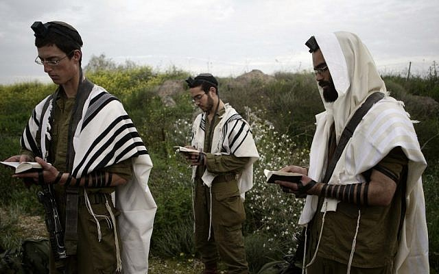 Illustrative photo of soldiers from Nahal Haredi, an ultra-Orthodox battalion in the Israel Defense Forces (Abir Sultan/Flash90, File)