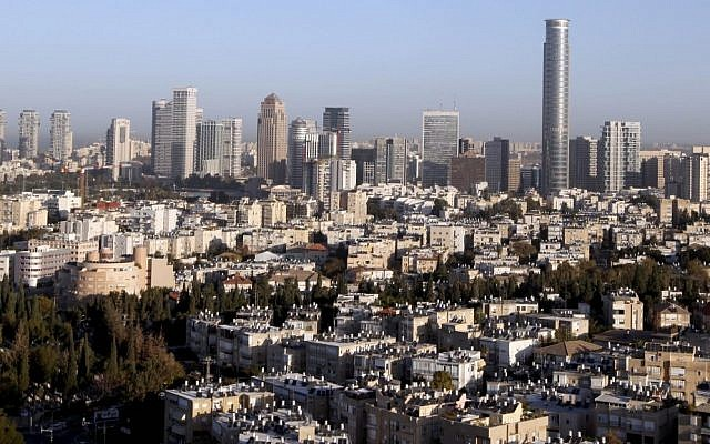 Tel Aviv skyline (photo credit: Abir Sultan/Flash 90)