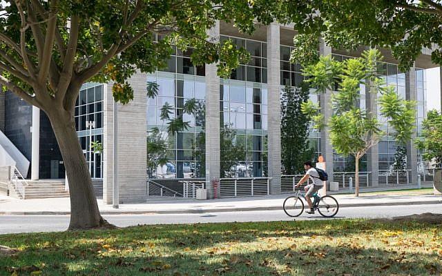 Ben-Gurion University campus, August 2014. (Dani Machlis)