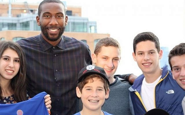 Amar'e Stoudemire of the New York Knicks teamed up with New York-area youths in October 2014 for a video on behalf of the Israeli ambulance service United Hatzalah. (Deborah Danon)