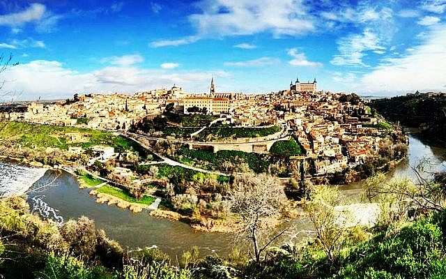 View of the walled city of Toledo (Ticia Verveer)