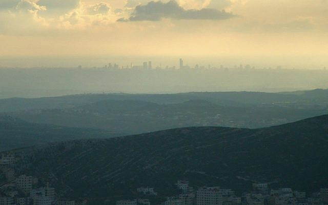 The view of Tel Aviv from Mount Ebal. (Wikipedia)
