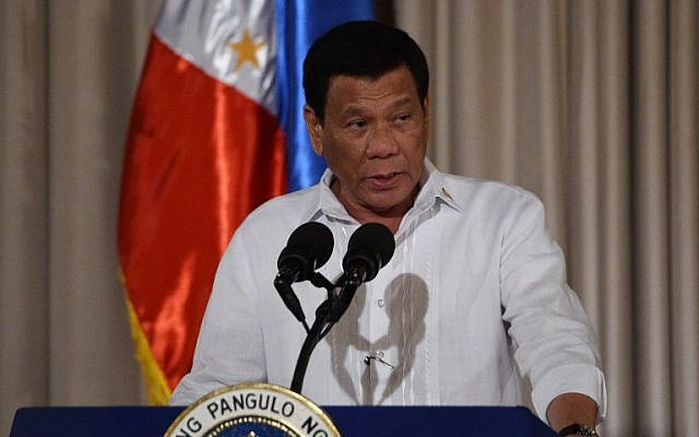 Philippine President Rodrigo Duterte delivers his speech to officials at Malacanang palace in Manila, August 6, 2018. (AFP photo/Ted Aljibe)