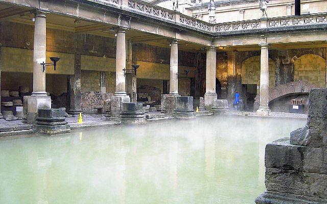 The Roman baths in Bath, England. (CC BY-SA Lee Jones, Wikimedia Commons)