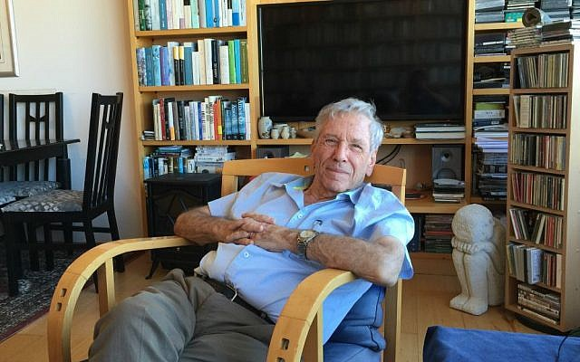 Amos Oz, at home in Tel Aviv, discussing 'Judas,' his latest novel, released in English in September 2016. (Jessica Steinberg/Times of Israel)