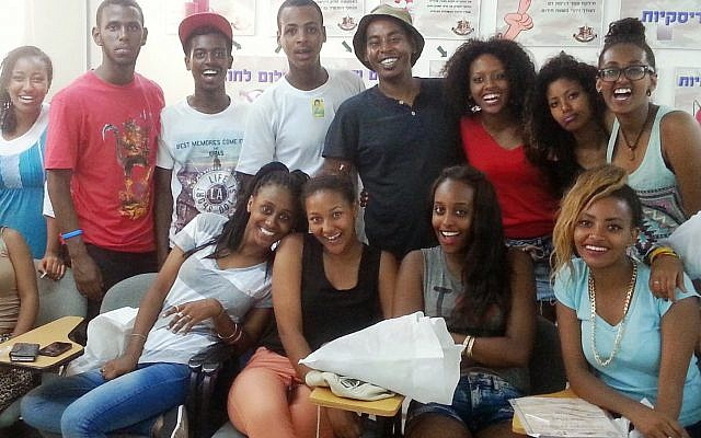 Teens participants of Fidel's three-year leadership training fellowship, which includes a mentorship program in the high-tech sector and a pre-army training course. Petach Tikva, Spring 2014. (Courtesy of Fidel).