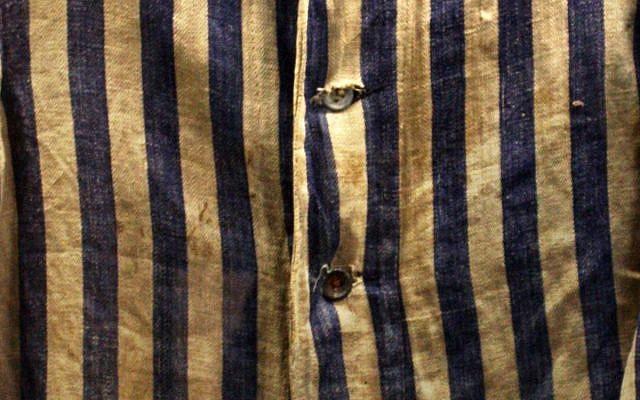 Sachsenhausen prisoner uniform detail (Cc-via Wikipedia)