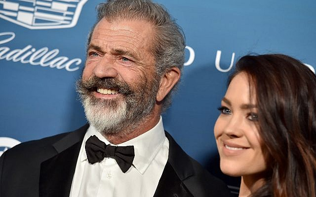 Mel Gibson and wife Rosalind Ross in Los Angeles, Jan. 5, 2019. (Axelle/Bauer-Griffin/FilmMagic)