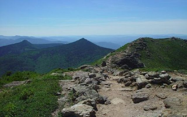 Franconia Ridge Trail, looking south, in New Hampshire's White Mountains. (Mike Hansen, Wikipedia)