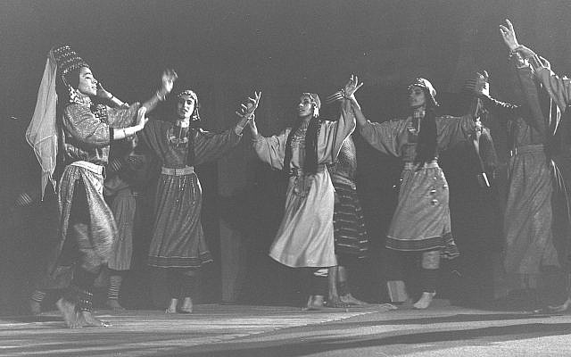"The Inbal Dance Troupe during a performance of ""The Queen of Sheba,"" May 3, 1964. (Moshe Pridan/Israel National Photo Collection)"