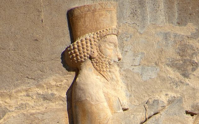 Relief of Artaxerxes II on his tomb at Persepolis, Iran. (CC BY-SA, Bruce Allardice/ Wikimedia Commons)
