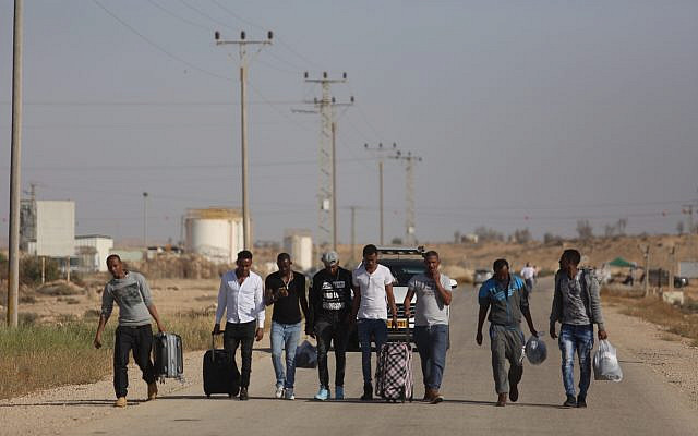 African asylum seekers who had been detained at Saharonim prison, southern Israel, due to their refusal to leave Israel to a third country, seen being released from the prison. High Court ruled there is  no legal justification to keep them in detention. April 15, 2018. Photo by Hadas Parush/FLASH90 *** Local Caption *** îá÷ùé î÷ìè