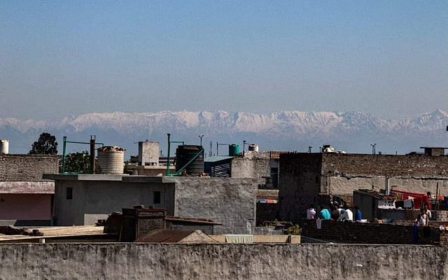 Illustrative. The Dhauladhar mountain range of Himachal, visible after 30 years, from Jalandhar (Punjab), after pollution dropped to its lowest level thus far -- a distance of approximately 200 kilometers - about 124 miles). (Twitter/Diksa Walia)