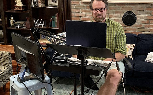 David Winitsky, hosting the Zoom contest in his living room studio. (courtesy, of David Winitsky)