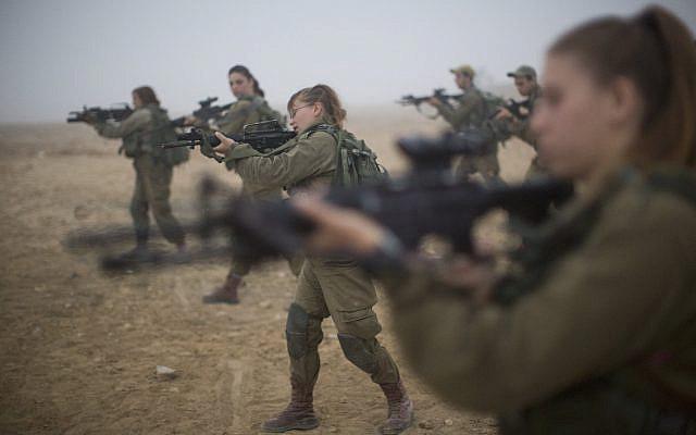 Illustrative: Soldiers of the Bardales Battalion undergo urban warfare training in southern Israel, on July 13, 2016. (Hadas Parush/Flash90)