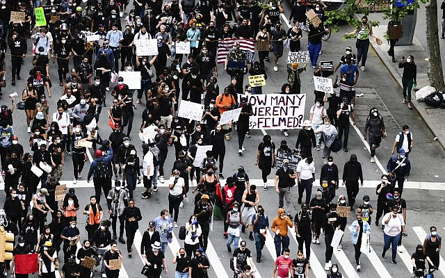 Overhead view of an anti-police brutality Black Lives Matter protest rally on Third Avenue on June 2, 2020, in New York City. (Evan Agostini/Invision/AP)