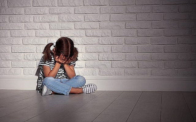 Stock image of a child crying - unrelated to anyone mentioned in article (Via Jewish News)