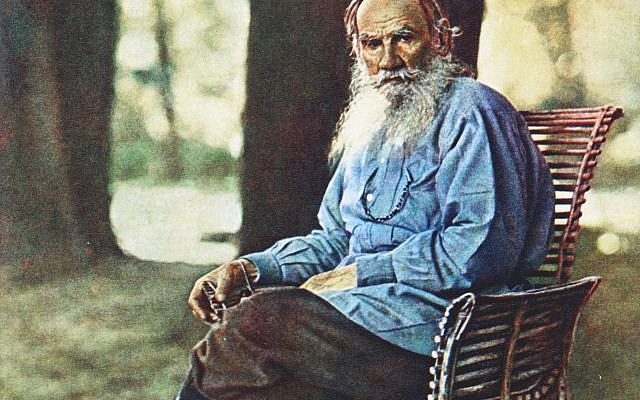 Color portrait photo of Lev Tolstoy in Yasnaya Polyana, 1908. (Sergey Prokudin-Gorsky; Public Domain)