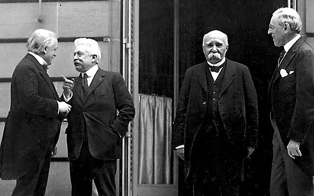 """""""The Big Four"""" at the Paris Peace Conference (l-r, David Lloyd George of Britain, Vittorio Emanuele Orlando of Italy, Georges Clemenceau of France, and Woodrow Wilson of the United States). (Public Domain/ Wikimedia Commons)"""