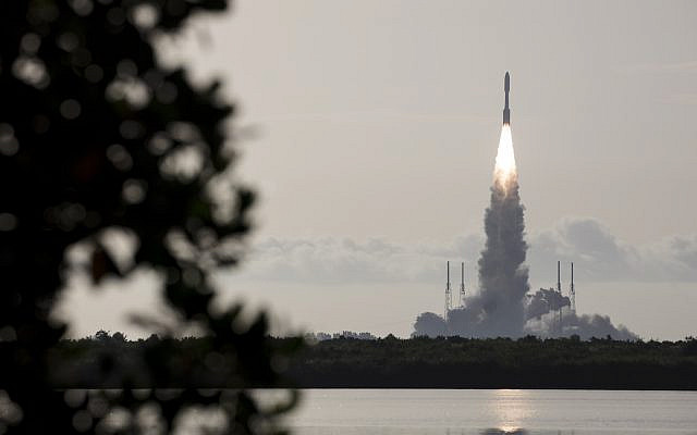 A United Launch Alliance Atlas V rocket with NASA's Mars 2020 Perseverance rover onboard launches from Space Launch Complex 41 at Cape Canaveral Air Force Station, Thursday, July 30, 2020, from NASA's Kennedy Space Center in Florida. (NASA/Joel Kowsky)