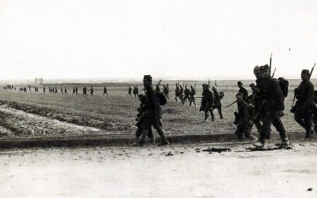 Polish infantry during Battle of Warsaw, 1920. (Wikipedia, Polish)
