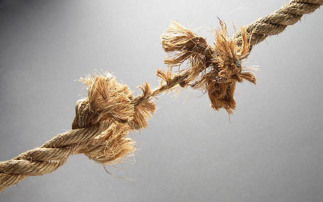 Fraying rope. (iStock)