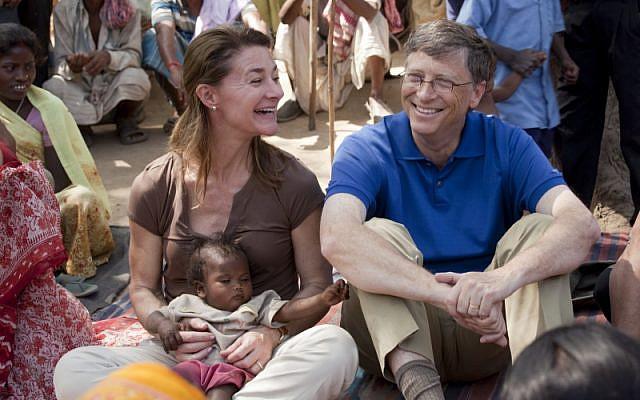 Bill and Melinda Gates meet with women in Jamsaut village in Bihar, India in 2011. ©Bill & Melinda Gates Foundation/Prashant Panjiar