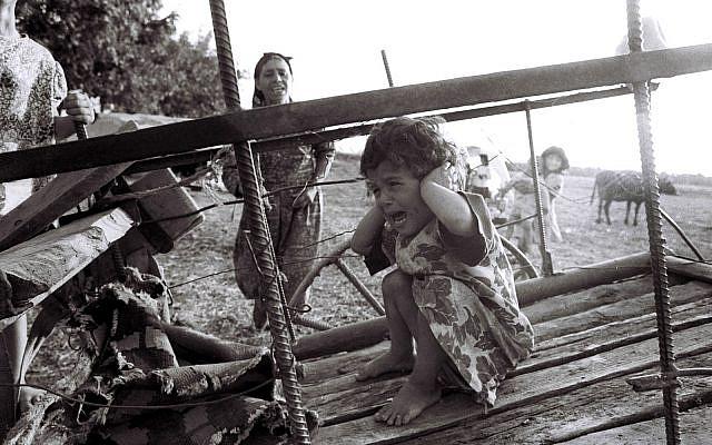 A refugee child from the Karabakh region, circa 1992/1993. (Credit: Ilgar Jafarov via Wikmedia Commons)