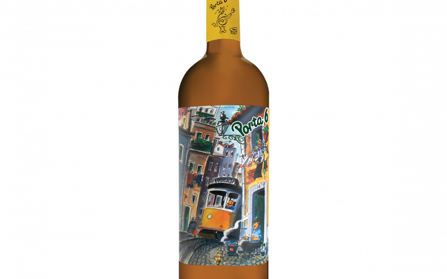 "Vidigal ""Porta 6"" 2019 (Vinho Regional Lisboa, white).  Image courtesy of Vidigal."