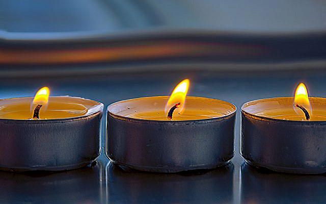 https://pixabay.com/photos/candles-light-prayer-jew-4752498/