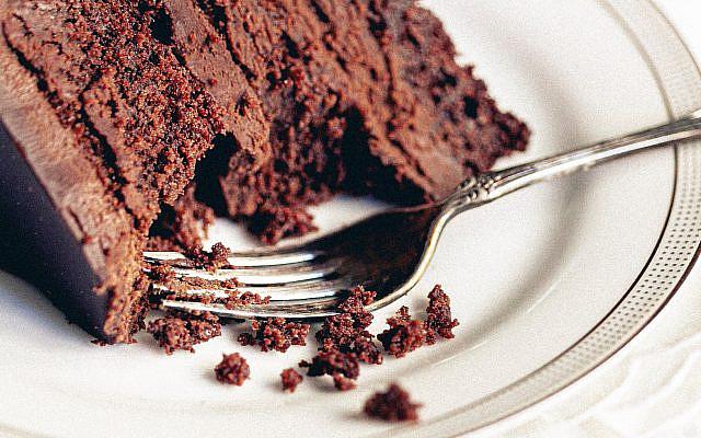 Cake. (Photo by Cristina Matos-Albers on Unsplash)