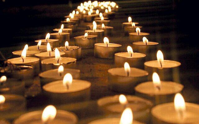 Memorial candles (Jewish News)