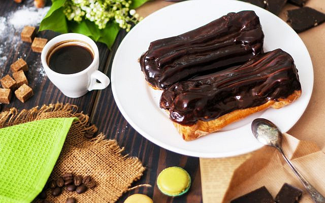 Chocolate eclairs. (iStock)