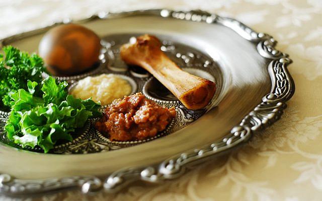 Seder plate image (iStock)