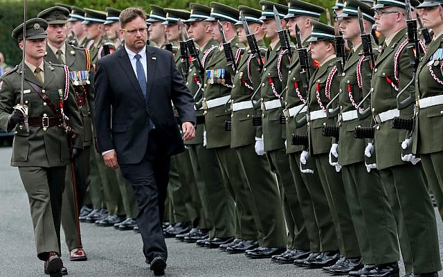 Ambassador Kariv is greeted by a guard of honour on his arrival in Ireland (via Jewish News)
