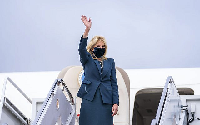 First Lady Jill Biden on travel. (Official White House Photo by Cameron Smith)