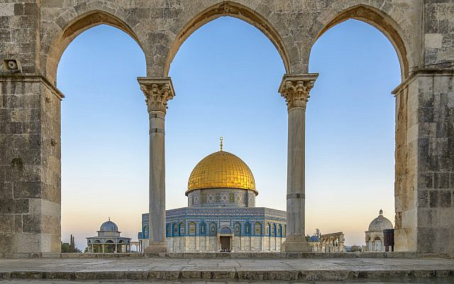 The Dome of the Rock (Qubbet el-Sakhra) is one of the greatest of Islamic monuments, it was built by Abd el-Malik, Jerusalem, Israel (The Dome of the Rock (Qubbet el-Sakhra) is one of the greatest of Islamic monuments, it was built by Abd el-Malik, Je