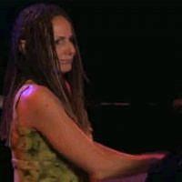Pianist Joanne MacGregor - Photo - courtesy of Julio Pimentel
