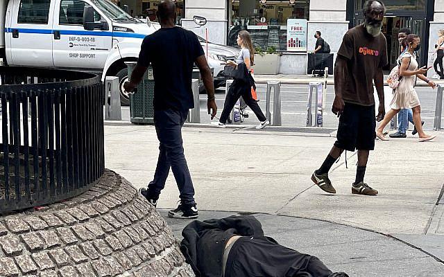 Street scene in NY (Dan Perry photo)