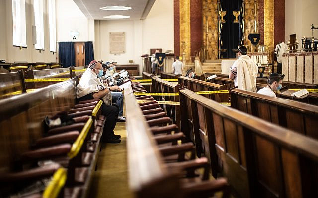 Synagogue service under lockdown in the early stages of the pandemic (Marc Morris Photography) Via Jewish News
